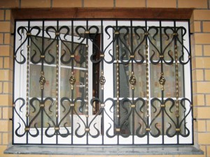 Установка, изготовление решеток на окна (оконных решеток) Воронеж
