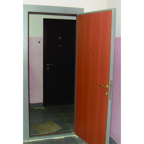 входная металлическая дверь ХП2 с внутренней отделкой